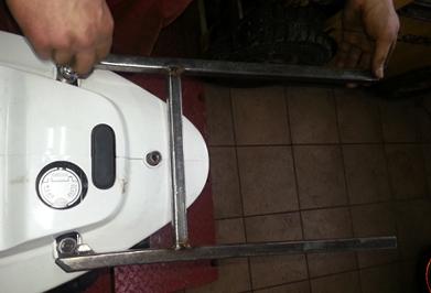 Stalaż bagaznika do skutera